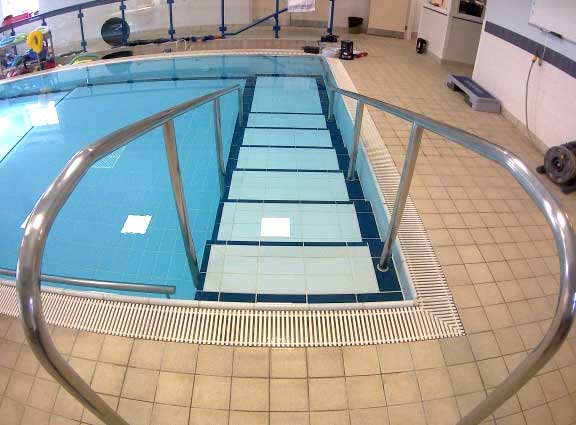 Hydrotherapy pool stairs